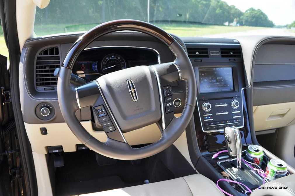 2015 Lincoln NAVIGATOR 4x4 Reserve - Interior Photos 15