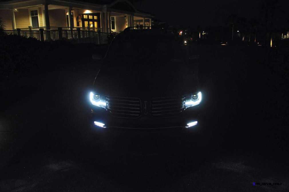 2015 Lincoln NAVIGATOR 4x4 Reserve LED Lighting Photos 8