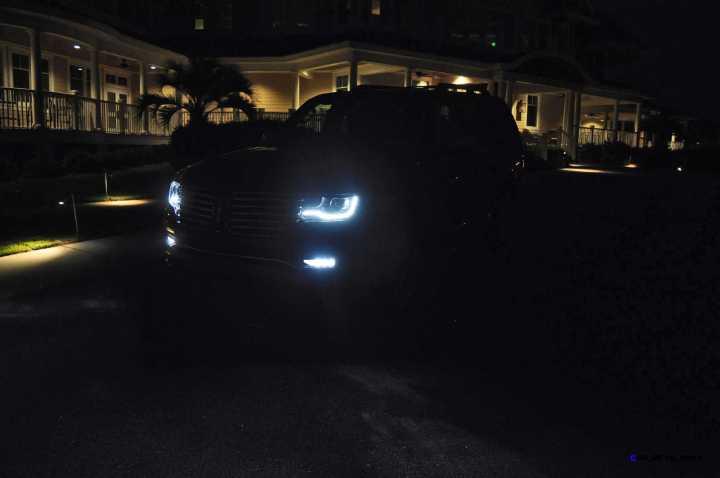 2015 Lincoln NAVIGATOR 4x4 Reserve LED Lighting Photos 9
