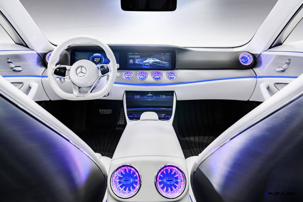 "Mercedes-Benz ""Concept IAA"" (Intelligent Aerodynamic Automobile). Interieur mit touchbasierter Bedienung. The interior: touch-based operating philosophy"
