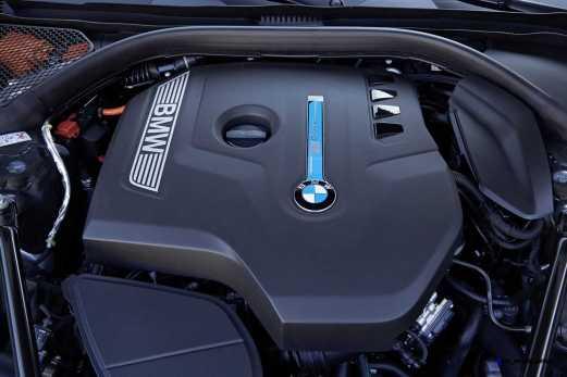 2016 BMW 750Li Interior 14