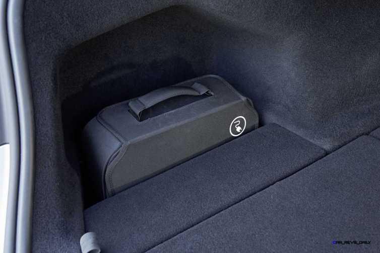2016 BMW 750Li Interior 22