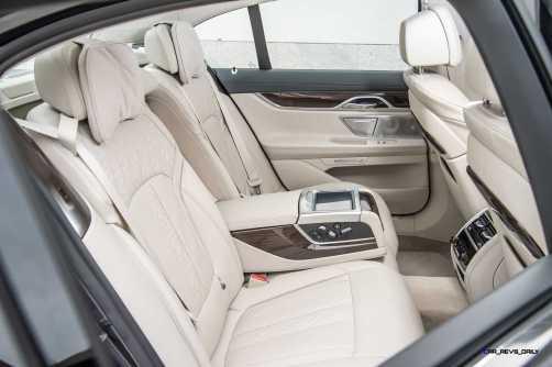 2016 BMW 750Li Interior 29