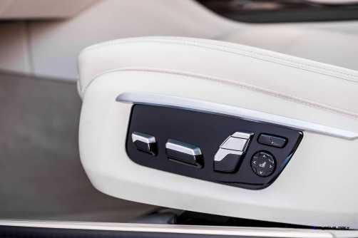 2016 BMW 750Li Interior 37