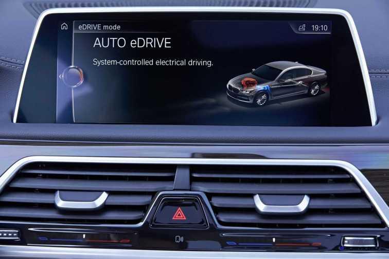 2016 BMW 750Li Interior 4