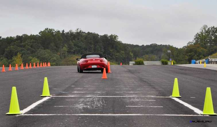 HD First Track Drive Review - 2016 Mazda MX-5 37