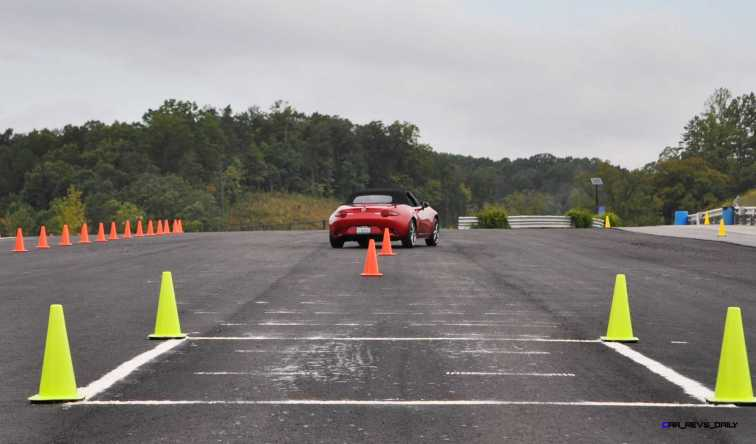 HD First Track Drive Review - 2016 Mazda MX-5 40