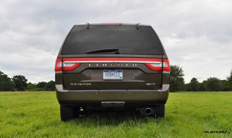 HD Road Test Review - 2015 Lincoln NAVIGATOR 4x4 Reserve 38