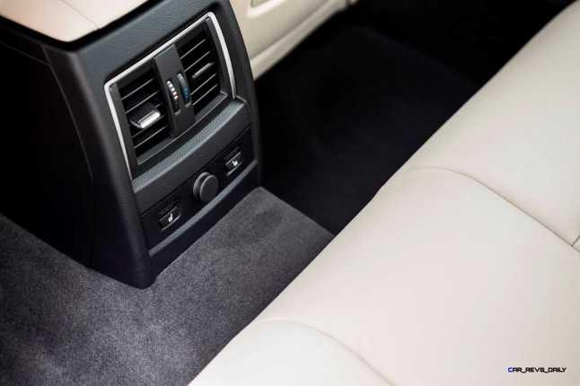 2016 BMW 340i M Sport INTERIOR 17