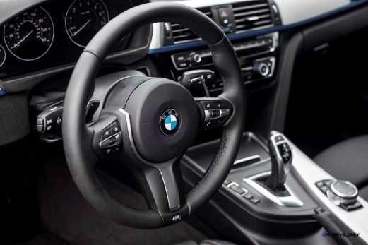 2016 BMW 340i M Sport INTERIOR 9