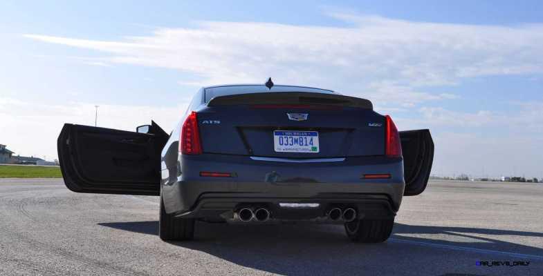 2016 Cadillac ATS-V Coupe 34