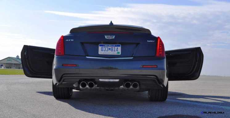 2016 Cadillac ATS-V Coupe 36