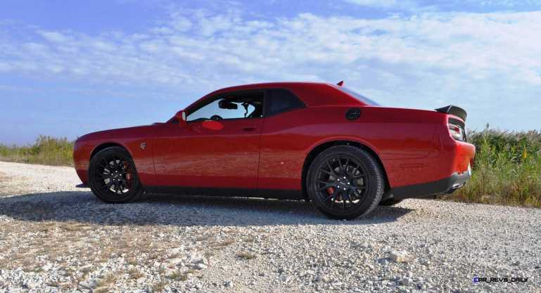 2016 Dodge Challenger SRT Hellcat 28