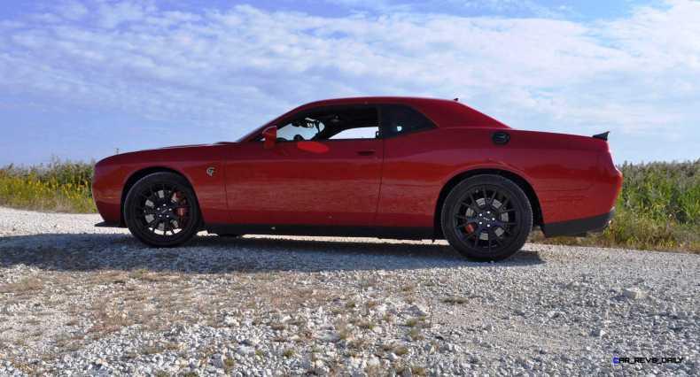 2016 Dodge Challenger SRT Hellcat 30