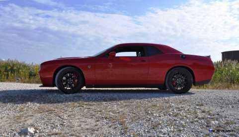 2016 Dodge Challenger SRT Hellcat 33