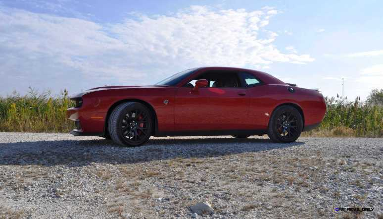 2016 Dodge Challenger SRT Hellcat 34