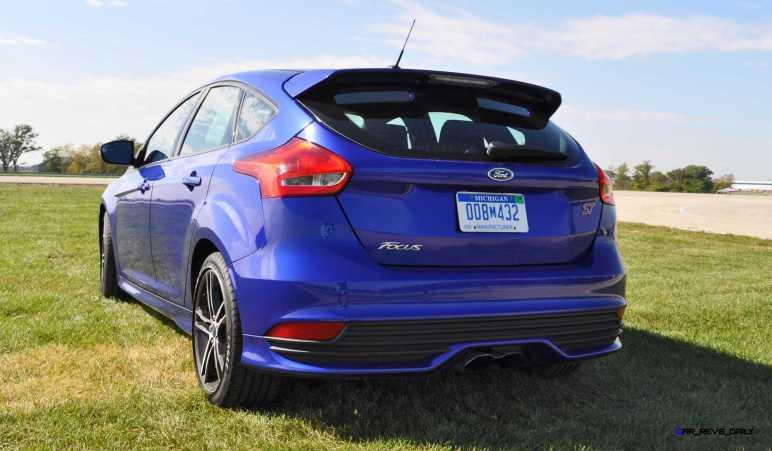 2016 Ford FOCUS ST Kona Blue 103