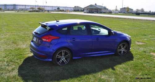 2016 Ford FOCUS ST Kona Blue 79
