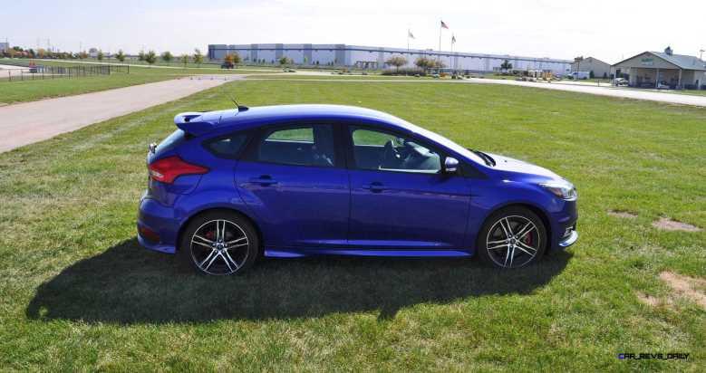 2016 Ford FOCUS ST Kona Blue 82