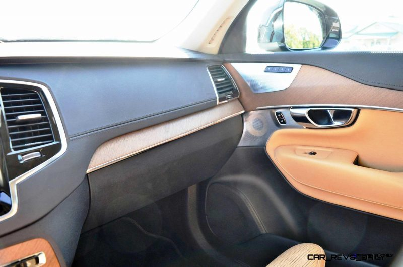 2016 Volvo XC90 T6 AWD  12