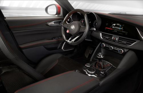 2016 Alfa Romeo GIULIA Interior 3