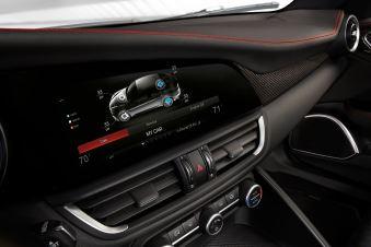 2016 Alfa Romeo GIULIA Interior 4