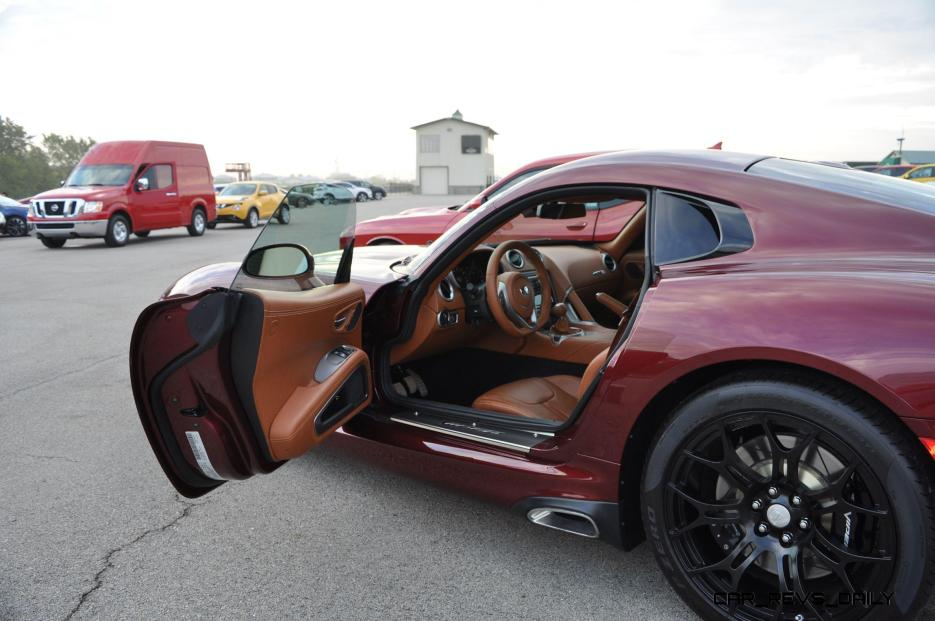 2016 Dodge Viper GT Review 21
