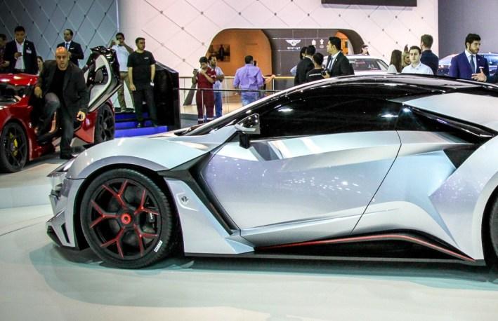 W Motors FENYR SuperSport 3