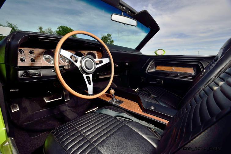 1970 Dodge Hemi Challenger RT Convertible 4