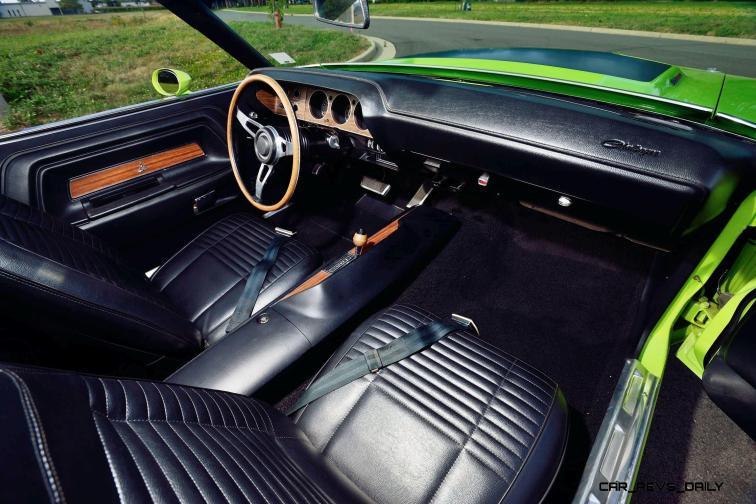 1970 Dodge Hemi Challenger RT Convertible 5