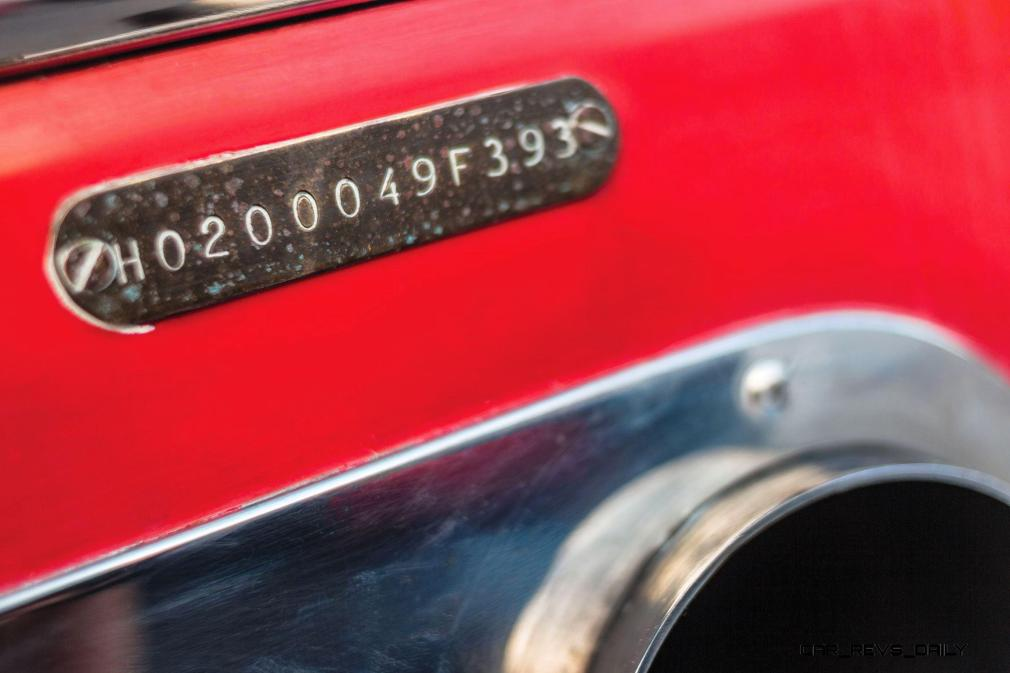 RM Sotheby's 1990 RIVA Ferrari 32 Speedboat 24