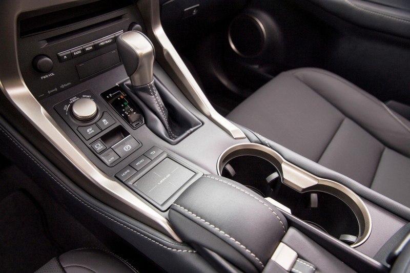 2015_Lexus_NX_300h_016_20140706225603835