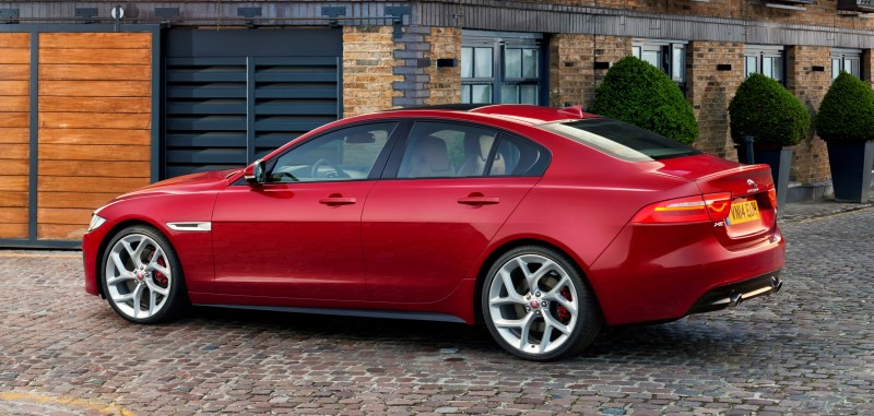 2016 Jaguar XE 28