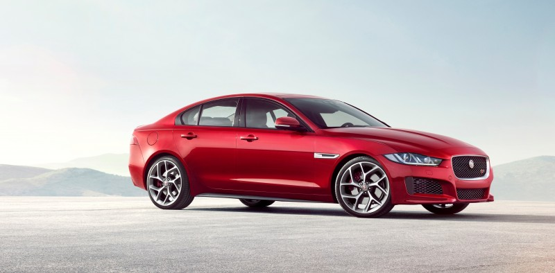 2016 Jaguar XE 4
