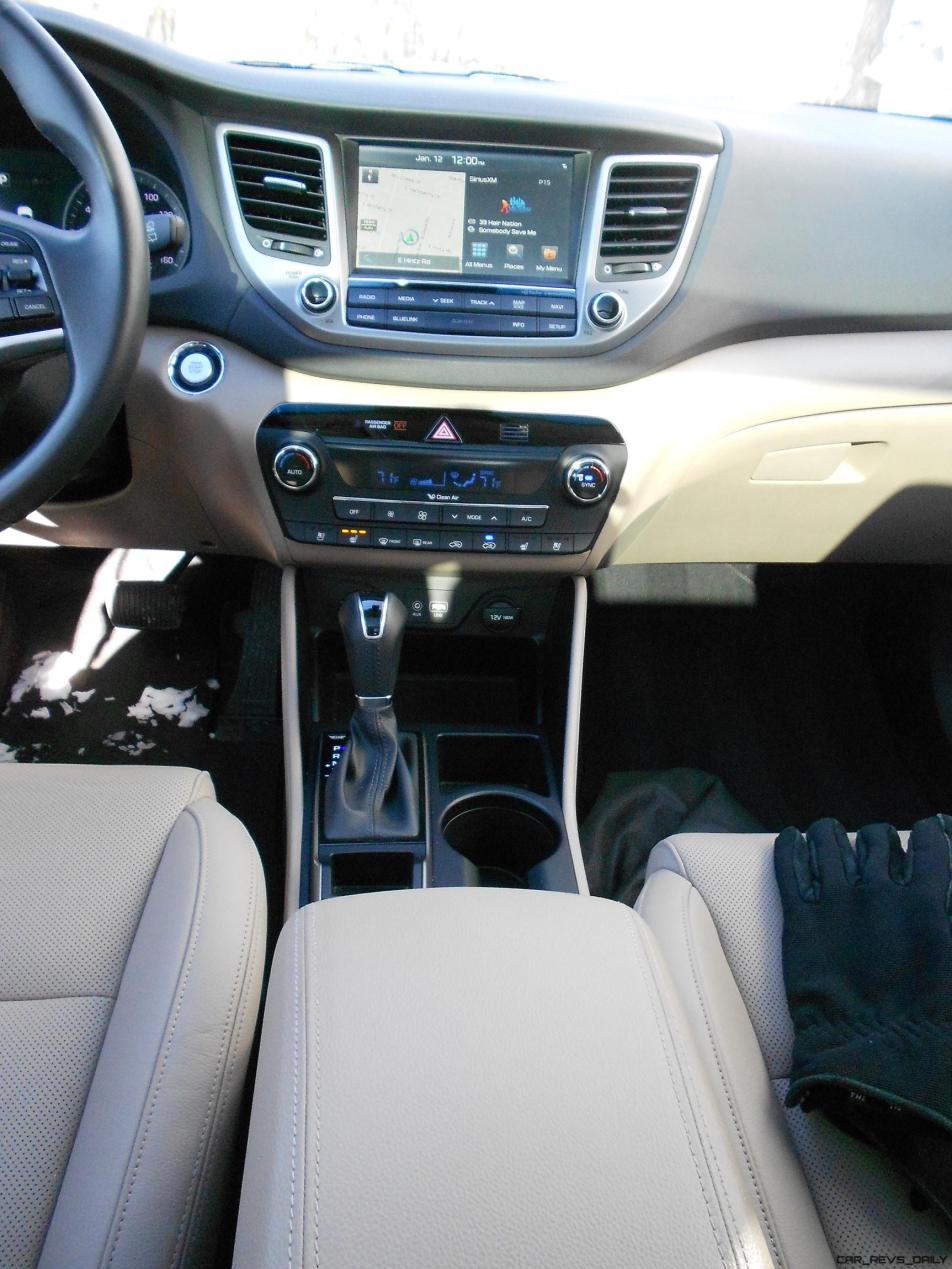 2016 Hyundai Tucson Review - Interior Photos 7