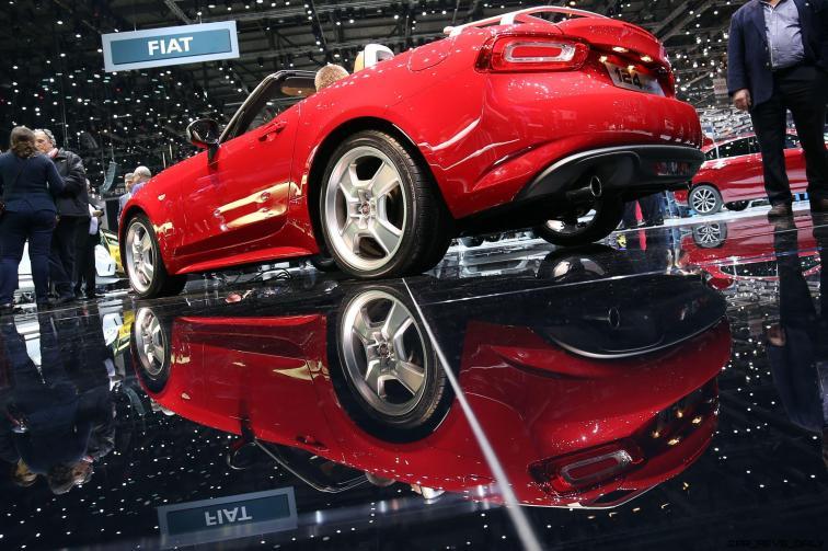 Fiat 124 Spider 11