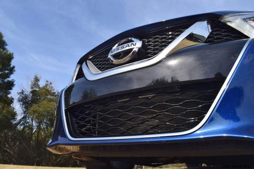 HD Road Test Review - 2016 Nissan Maxima SR 50