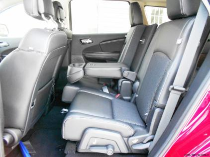 Hawkeye Drives - 2016 Dodge Journey Review 5
