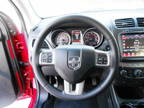 Hawkeye Drives - 2016 Dodge Journey Review 8
