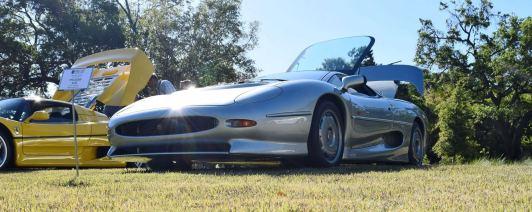 1994 Jaguar XJ220 7