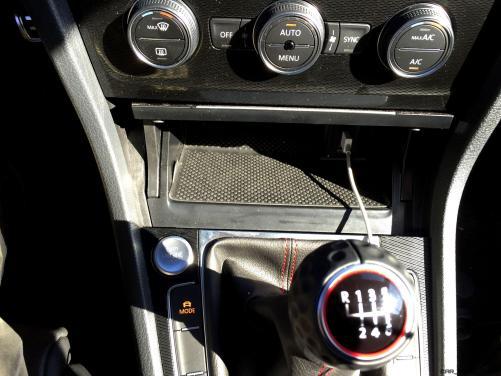 2016 Volkswagen Golf GTI Autobahn 6-Speed 3