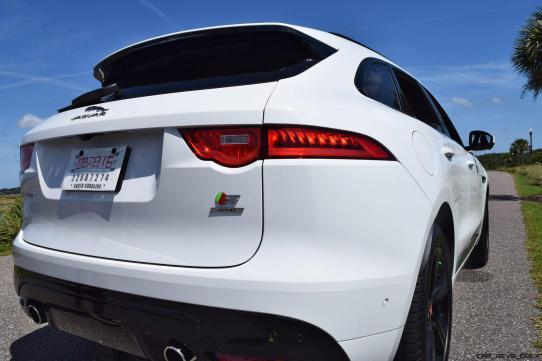 2017 Jaguar F-Pace S - White Exterior 82