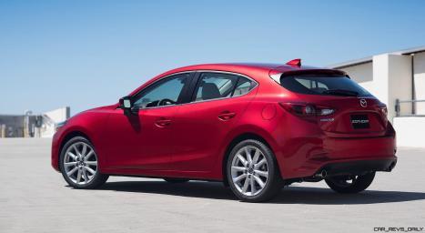 2017_Mazda3_09