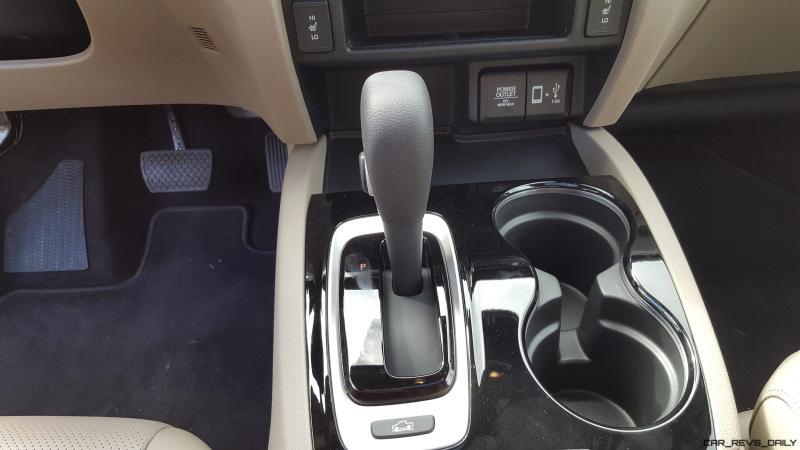 2017 Honda Ridgeline AWD RTL-E 21