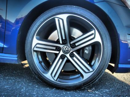 2016 VW Golf R Lapiz Blue by Lyndon Johnson 17