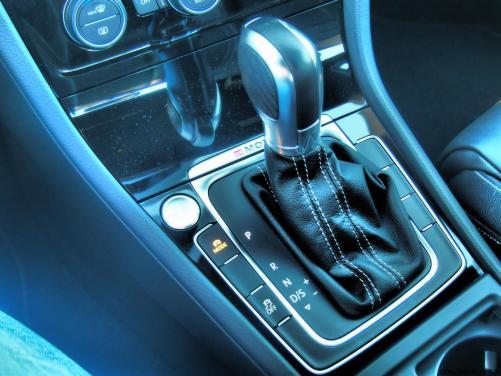2016 VW Golf R Lapiz Blue by Lyndon Johnson 41