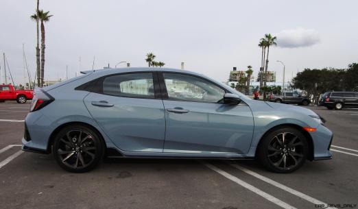 2017 Honda Civic Sport 5-Door 4