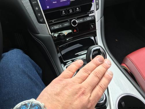 2017 INFINITI Q60 Red Sport 400 - Interior Photos 4