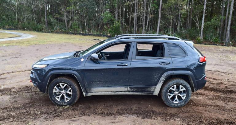 2017 Jeep Cherokee TRAILHAWK 20