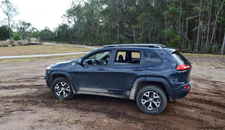 2017 Jeep Cherokee TRAILHAWK 21